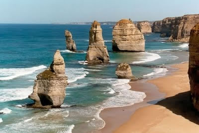 Australia Victoria's Great Ocean Road - famous Twelve Apostles sea stacks
